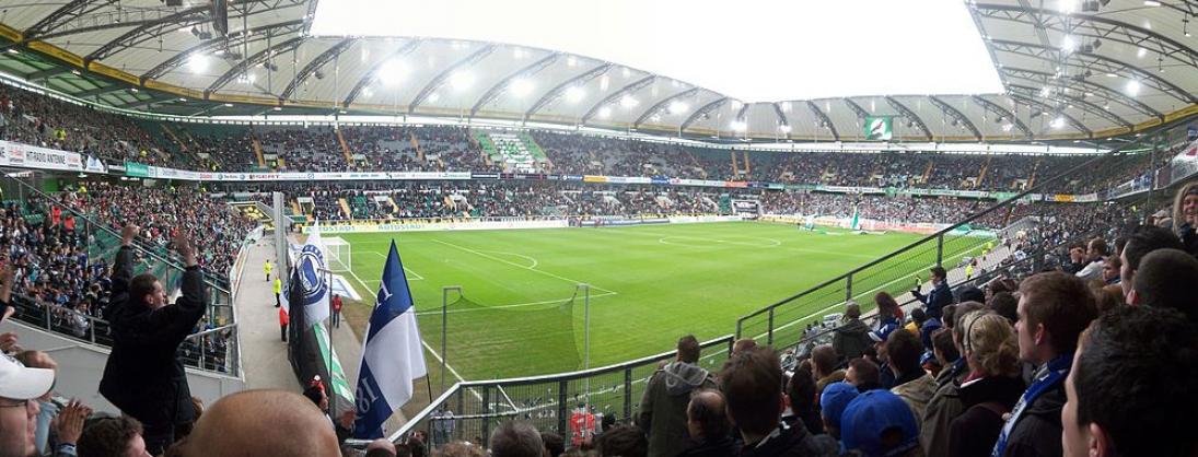 Wolfsburg v Bayern